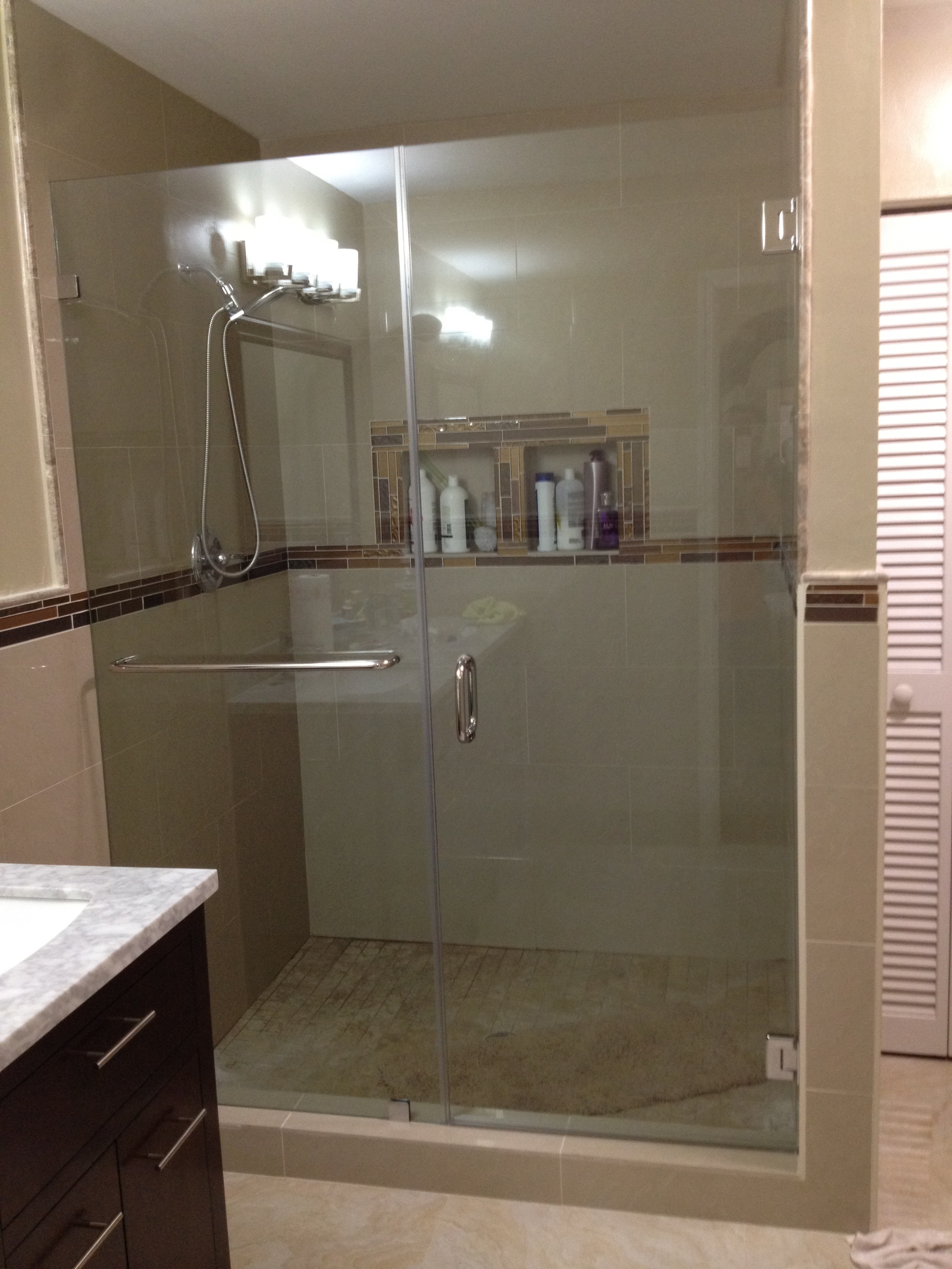 Custom Frameless Glass Shower Enclosures | SEMA Data Co-op